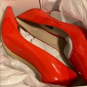 👠 NWT Coral Red Nine West Heels